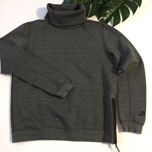 Nike turtleneck sweatshirt